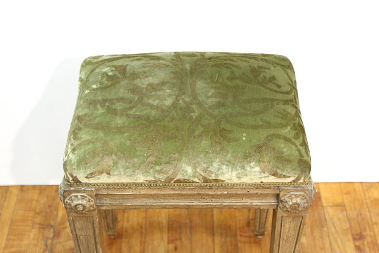 Neoclassical Revival Style Wood Benches In Good Condition For Sale In New York, NY