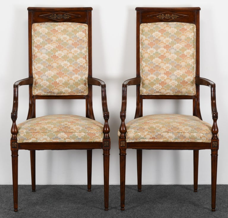 Neoclassical Set of Eight Mahogany Dining Chairs, 1960s In Good Condition For Sale In Hamburg, PA