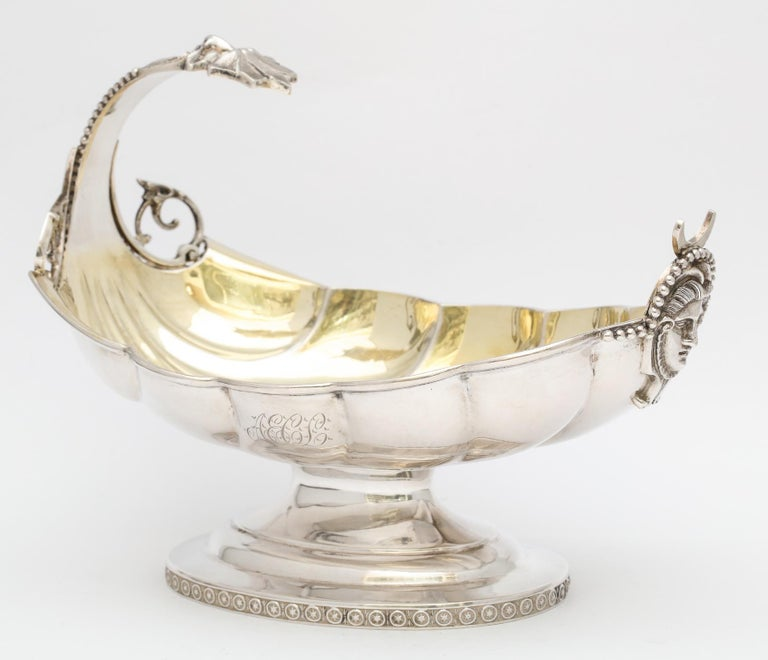 Neoclassical Sterling Silver Pedestal Based Sauce/Gravy Boat by Wood and Hughes For Sale 9