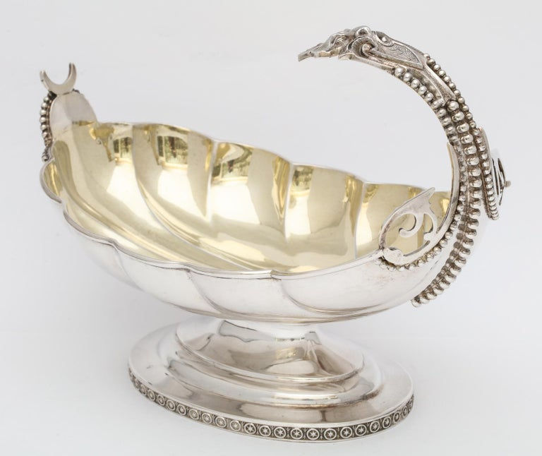 American Neoclassical Sterling Silver Pedestal Based Sauce/Gravy Boat by Wood and Hughes For Sale