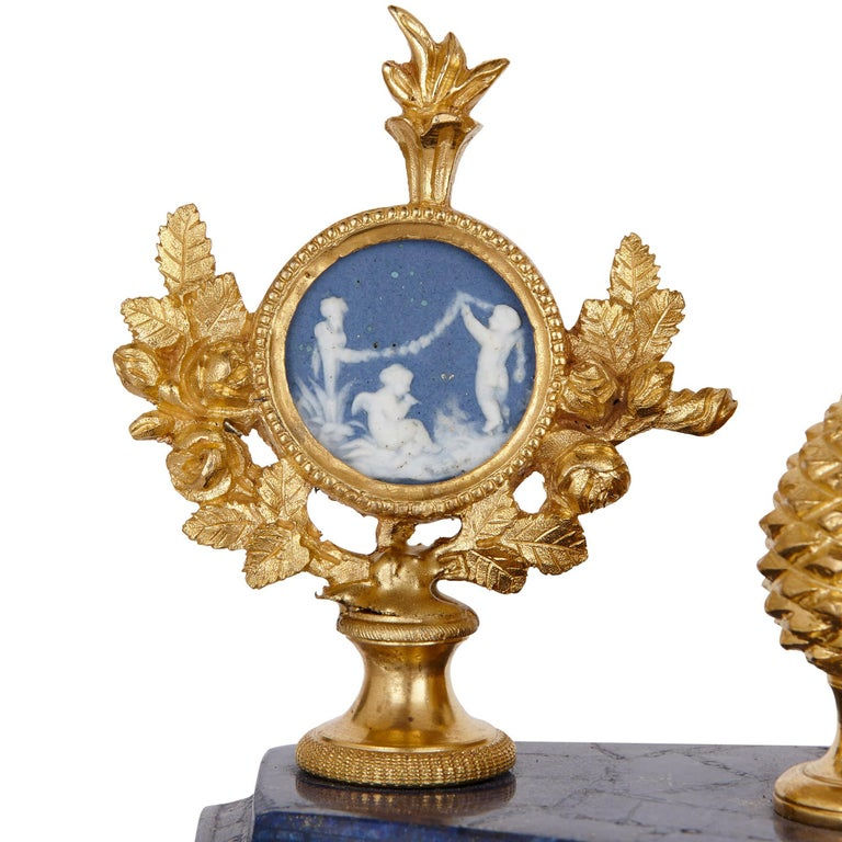 Neoclassical style antique lapis lazuli, jasperware and gilt bronze clock In Good Condition For Sale In London, GB