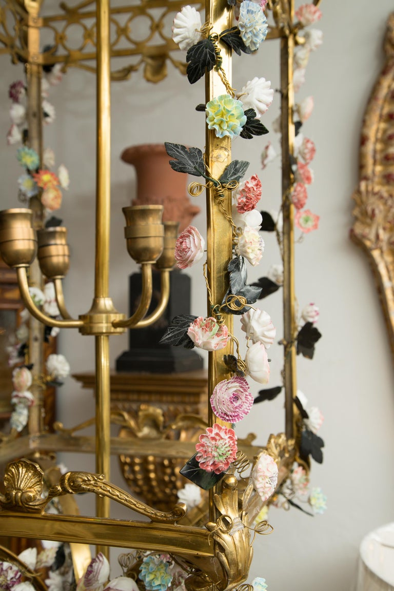 Neoclassical Style Gilt Bronze Chandelier with Porcelain Decoration For Sale 1