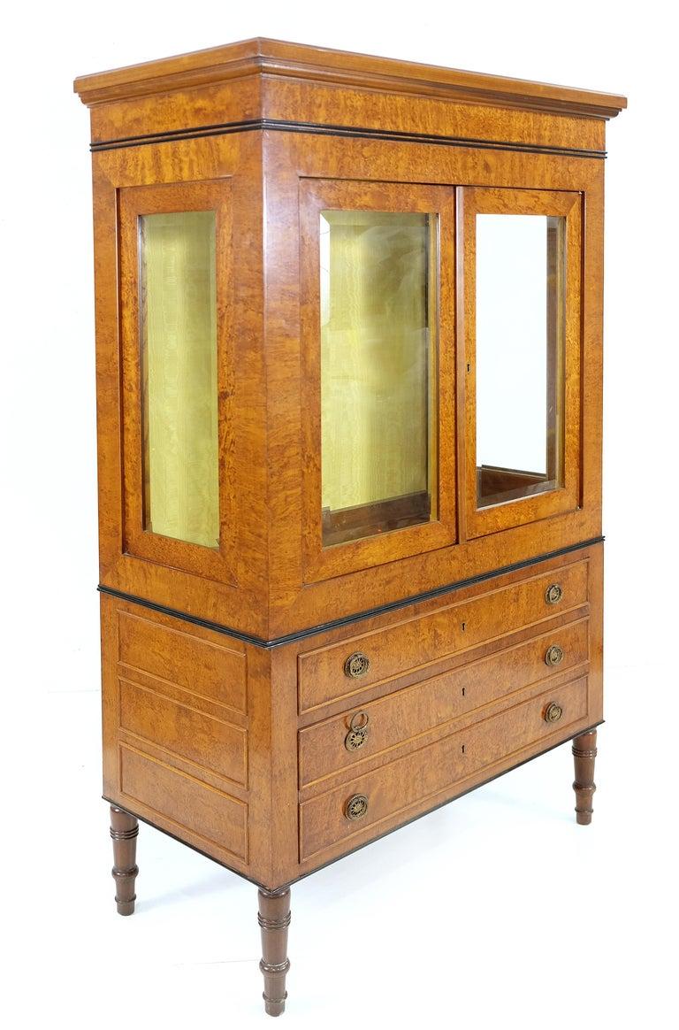 Rho mobili d 39 epoca neoclassical style vitrine on chest for Mobili d epoca