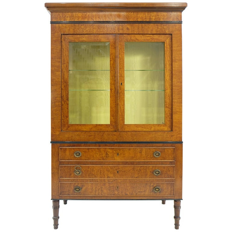 Neoclassical style vitrine on chest from rho mobili d for Mobili d epoca