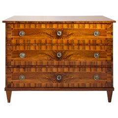 Neoclassical Walnut Chest of Drawers, Early 19th Century