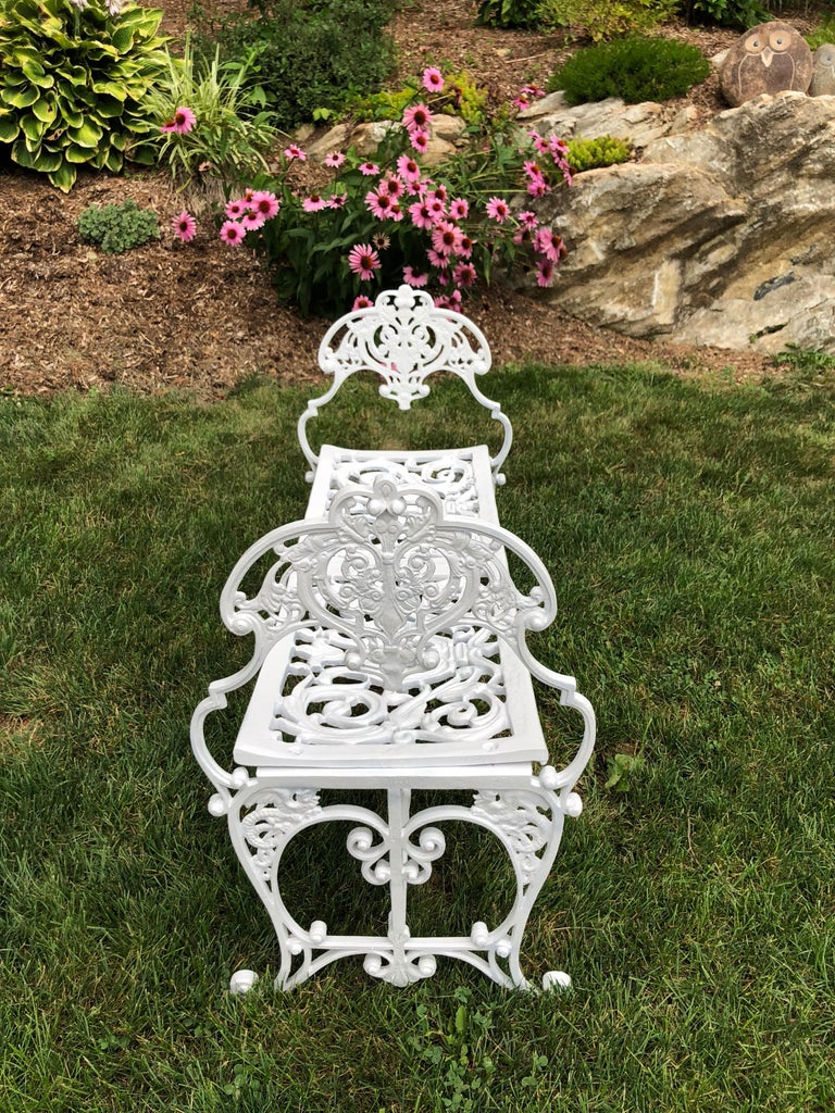 Neoclassical White Garden Bench In Excellent Condition For Sale In Redding, CT