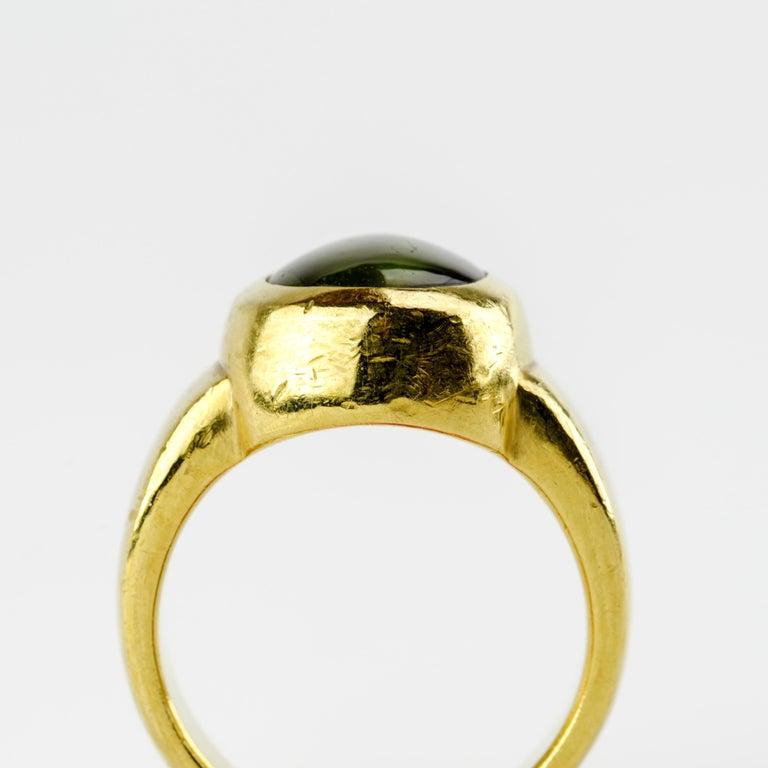 Men's Ring Rare Cat's Eye Chrysoberyl is Acid Green 11.5 Carat and 22 Karat Gold For Sale 6