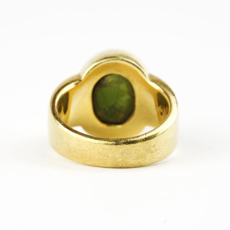 Men's Ring Rare Cat's Eye Chrysoberyl is Acid Green 11.5 Carat and 22 Karat Gold For Sale 4