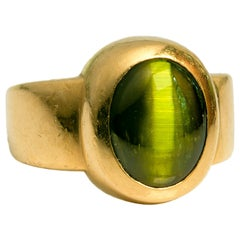 Chrysoberyl Cat's Eye Ring Neon Green & 22 Karat Gold
