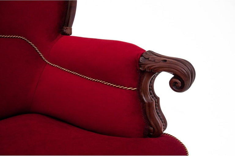 Neorokoko Red Antique Sofa from circa 1880, After Renovation In Good Condition For Sale In Chorzów, PL