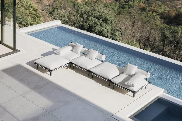 Nerthus, Teak and Hemp Indoor-Outdoor Sofa by ATRA In New Condition For Sale In San Francisco, CA