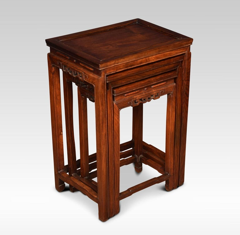 Nest of Three Graduated Chinese Rosewood Tables In Good Condition For Sale In Cheshire, GB