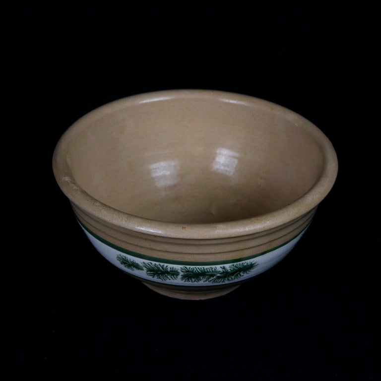 A nested set of three graduated yellow ware pottery mixing bowls offer Mocha decorated seaweed design, 20th century  ***DELIVERY NOTICE – Due to COVID-19 we are employing NO-CONTACT PRACTICES in the transfer of purchased items.  Additionally, for
