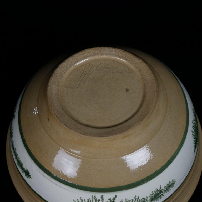 Earthenware Nested Set of 3 Seaweed Mocha Decorated Pottery Mixing Bowls, 20th Century For Sale