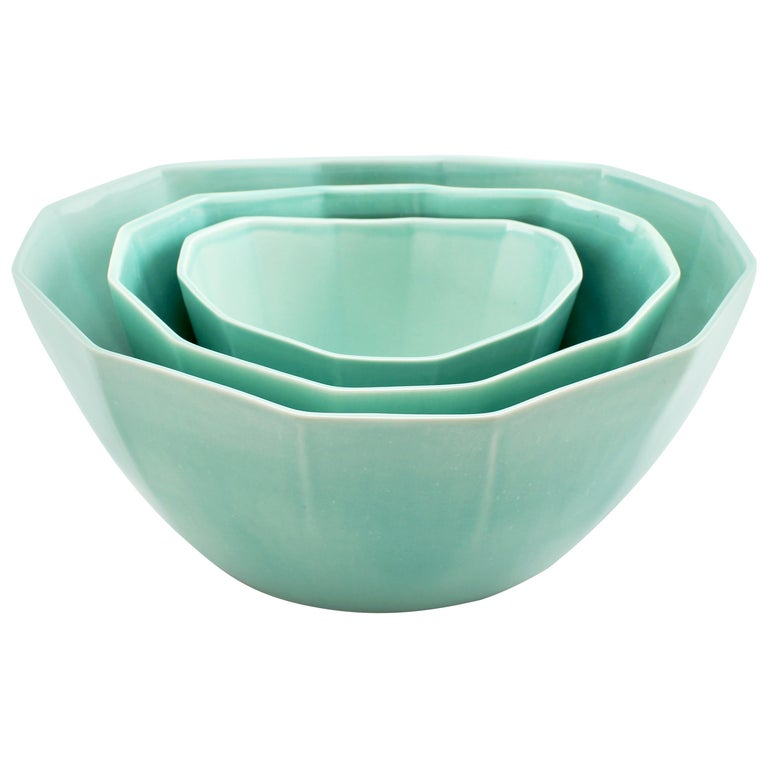 Nesting Bowl Set, Glossy Seafoam Green Set of Three Modern Stacking Serving Bowl