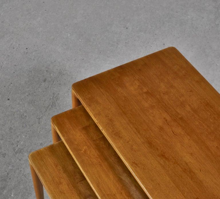 Nesting Tables in Birch by Severin Hansen Jr. for Haslev Møbelfabrik, Denmark In Good Condition For Sale In Odense, DK