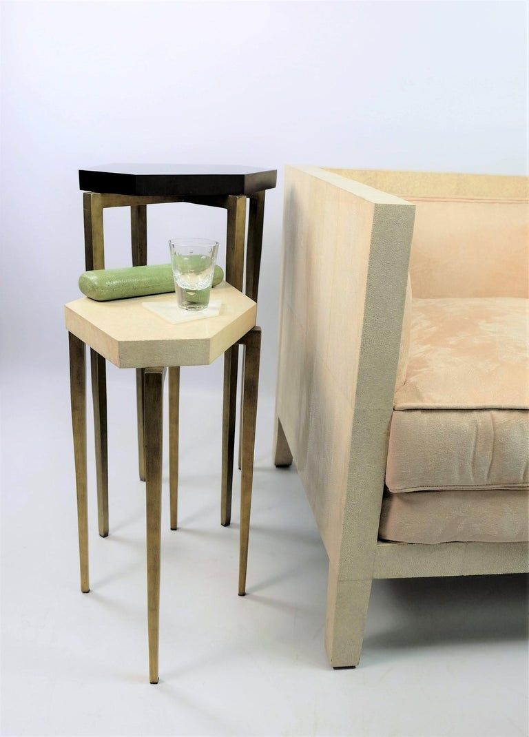Nesting Tables in Natural Shagreen and Green Shell Marquetry by Ginger Brown In New Condition For Sale In Bourguebus, FR