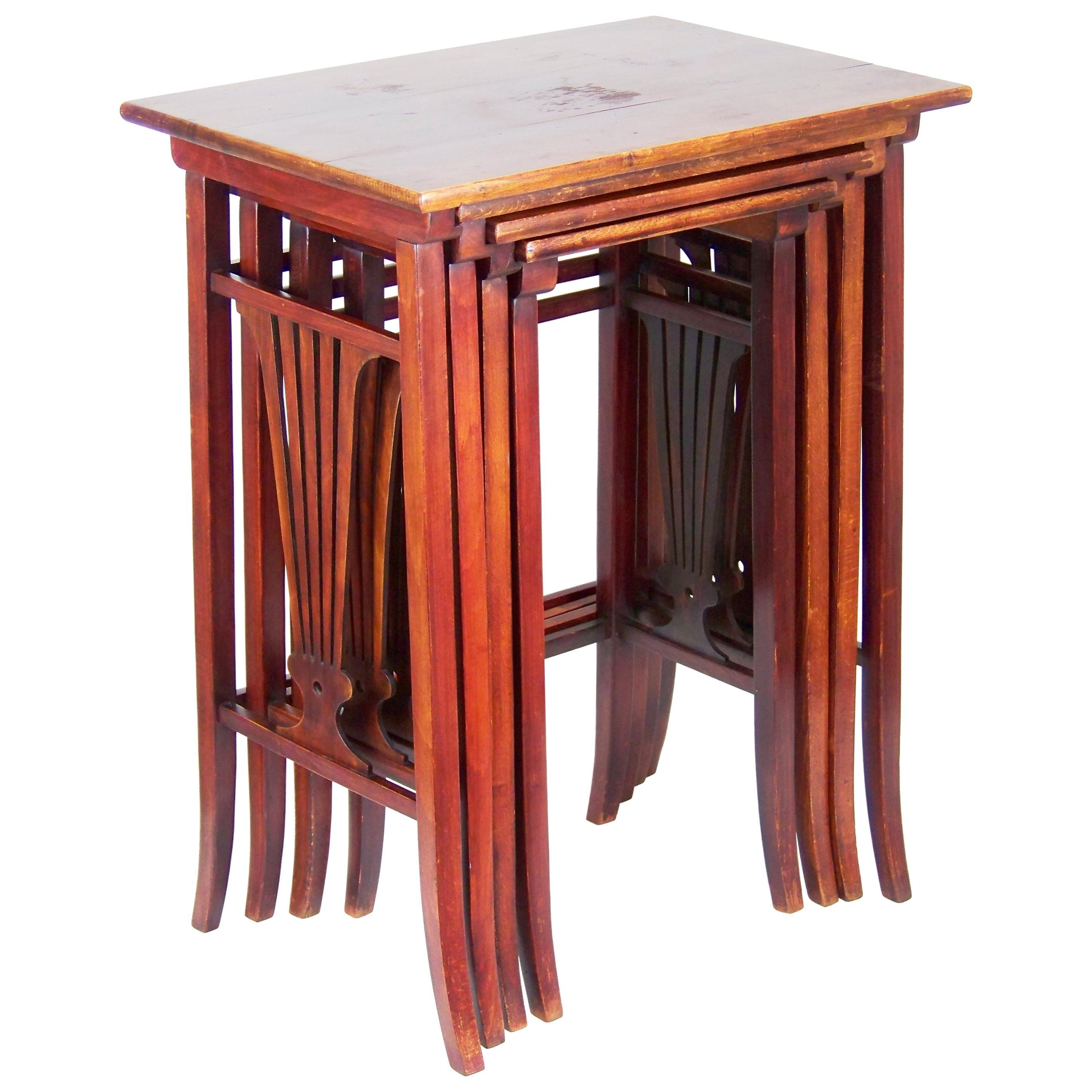 Nesting Tables Thonet Nr.21, Since 1907