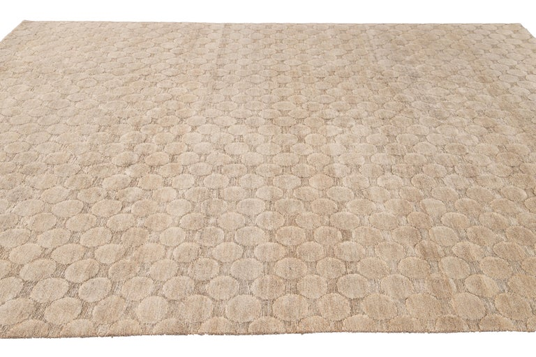 Neutral Modern Textured Handmade Tibetan Wool Rug For Sale 6