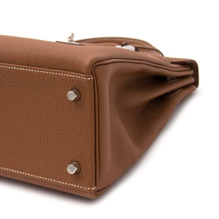 Women's or Men's Hermes 32 Togo Gold PHW Kelly Bag For Sale