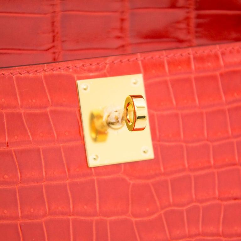 *Never Used* Hermès Kelly Cut pochette crocodile porosus lisse orange  For Sale 2