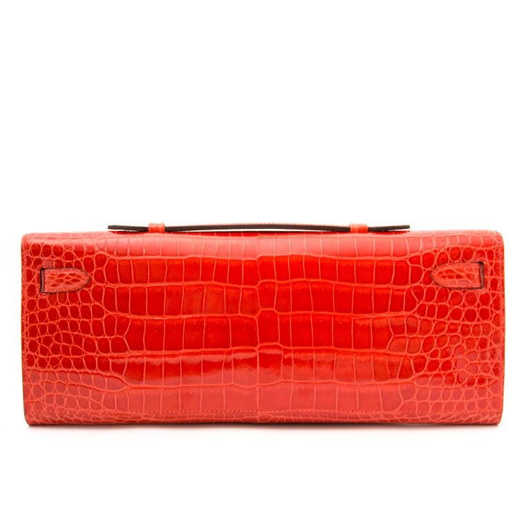 *Never Used* Hermès Kelly Cut pochette crocodile porosus lisse orange  For Sale 3