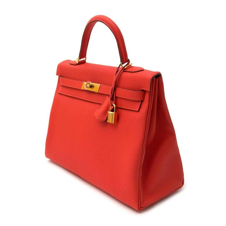 Hermès Kelly 35 Togo Capucine GHW Bag and Strap For Sale 3