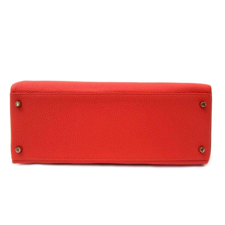 Hermès Kelly 35 Togo Capucine GHW Bag and Strap For Sale 4