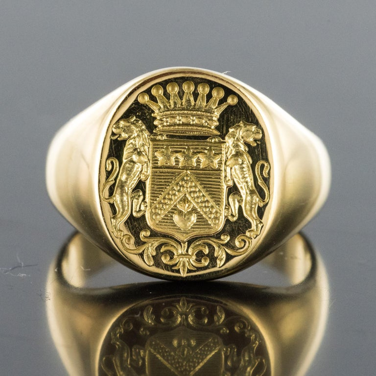 18 Karat Yellow Gold Blazon Men Modern Signet Ring In New Condition For Sale In Poitiers, FR