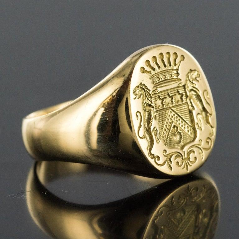 Men's 18 Karat Yellow Gold Blazon Men Modern Signet Ring For Sale