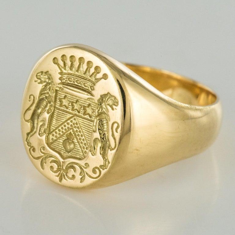 18 Karat Yellow Gold Blazon Men Modern Signet Ring For Sale 2