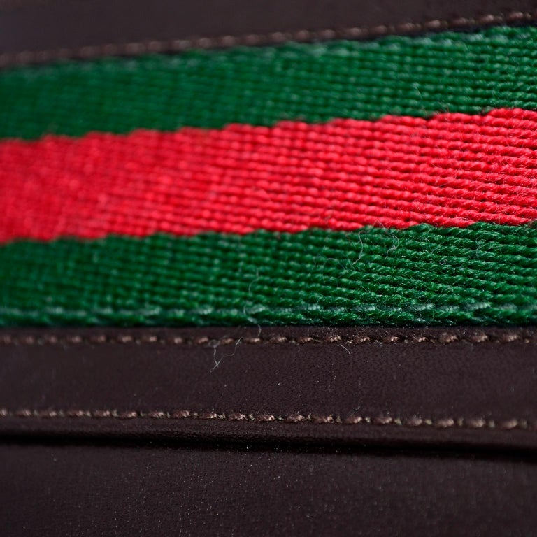 New 1970s Brown Gucci Vintage Handbag W/ Tags Red & Green Stripe & Mono Buckle For Sale 3