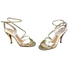New 1970s Connie Smith Bullocks Wilshire Size 7.5 Gold Metallic Strappy Heels