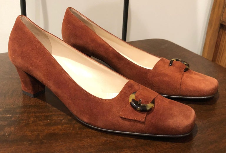 New 1990s Salvatore Ferragamo Size 6.5 Light Brown Suede Low Heels Vintage Shoes 2