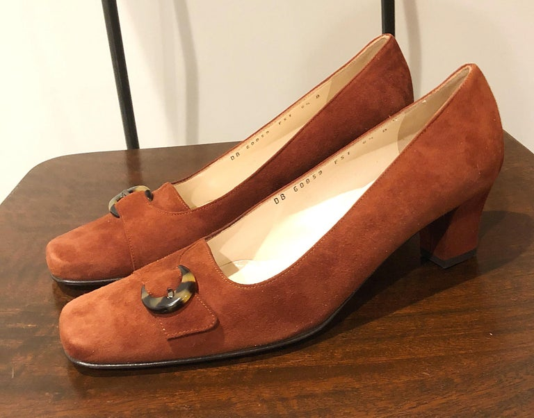 New 1990s Salvatore Ferragamo Size 6.5 Light Brown Suede Low Heels Vintage Shoes 5