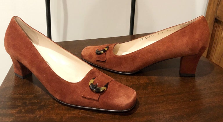 New 1990s Salvatore Ferragamo Size 6.5 Light Brown Suede Low Heels Vintage Shoes 8