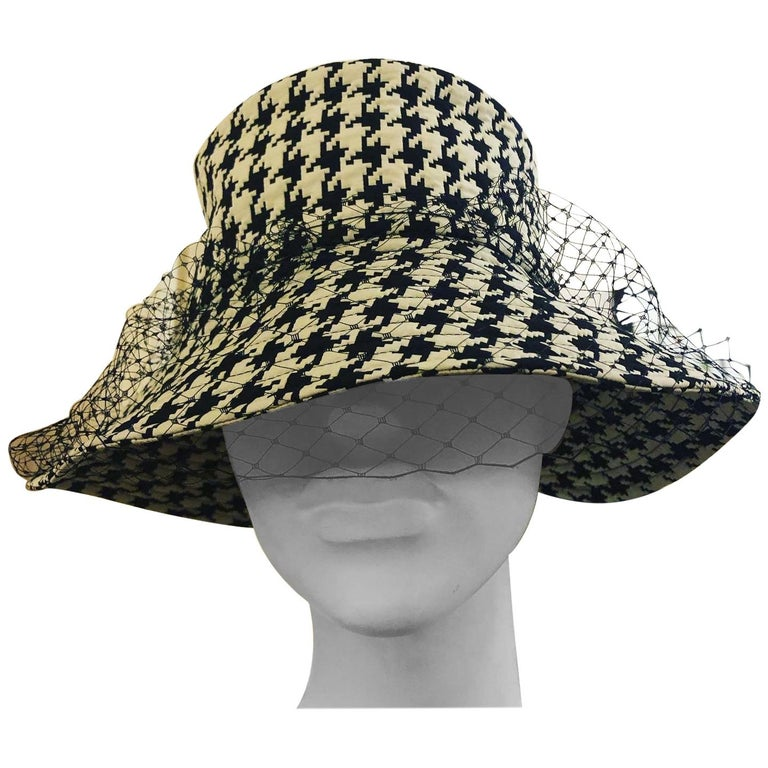 NEW 2020 Christian Dior Montaigne Bucket Hat with Veil w/Full Kit For Sale