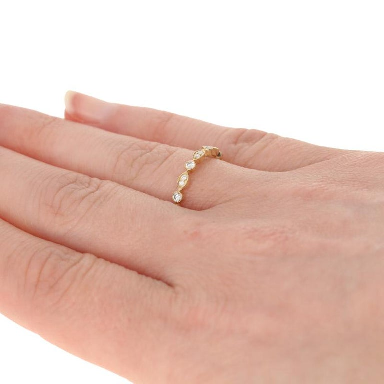 .30 Carat Round Brilliant Diamond Band, 14 Karat Gold Ring In New Condition For Sale In Greensboro, NC