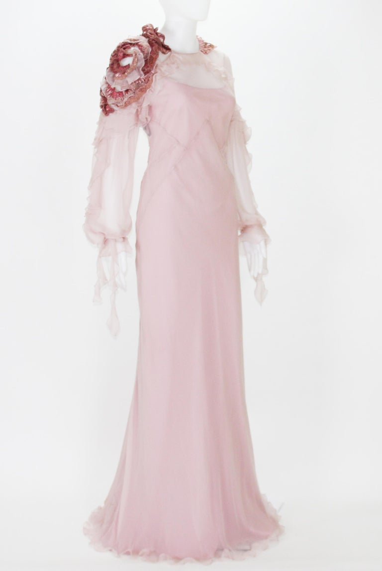 New Alberta Ferretti Runway F/W 2017 Silk Pink Wedding Dress with Application 40 In New Condition For Sale In Montgomery, TX