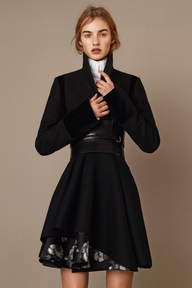 New Alexander McQueen F/W 2015 Wool Dress  $2425 Sz IT 40 In New Condition For Sale In Leesburg, VA