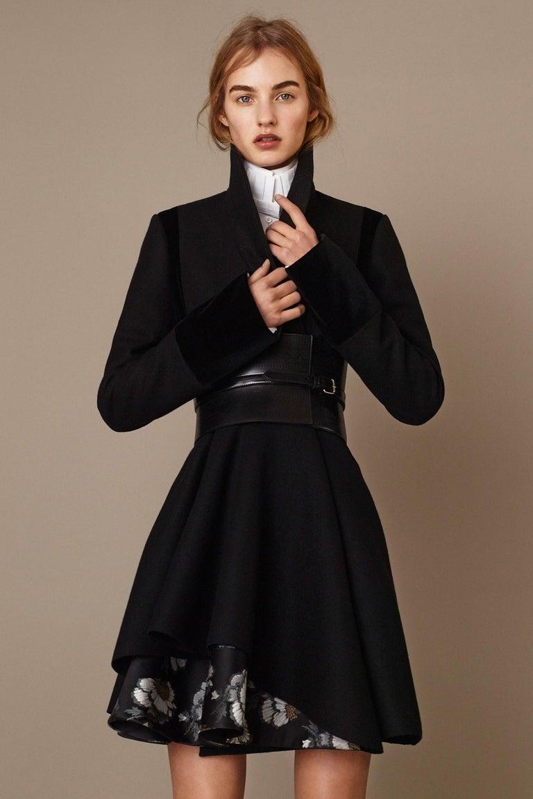 New Alexander McQueen F/W 2015 Wool Dress  $2425 Sz IT 46 In New Condition For Sale In Leesburg, VA