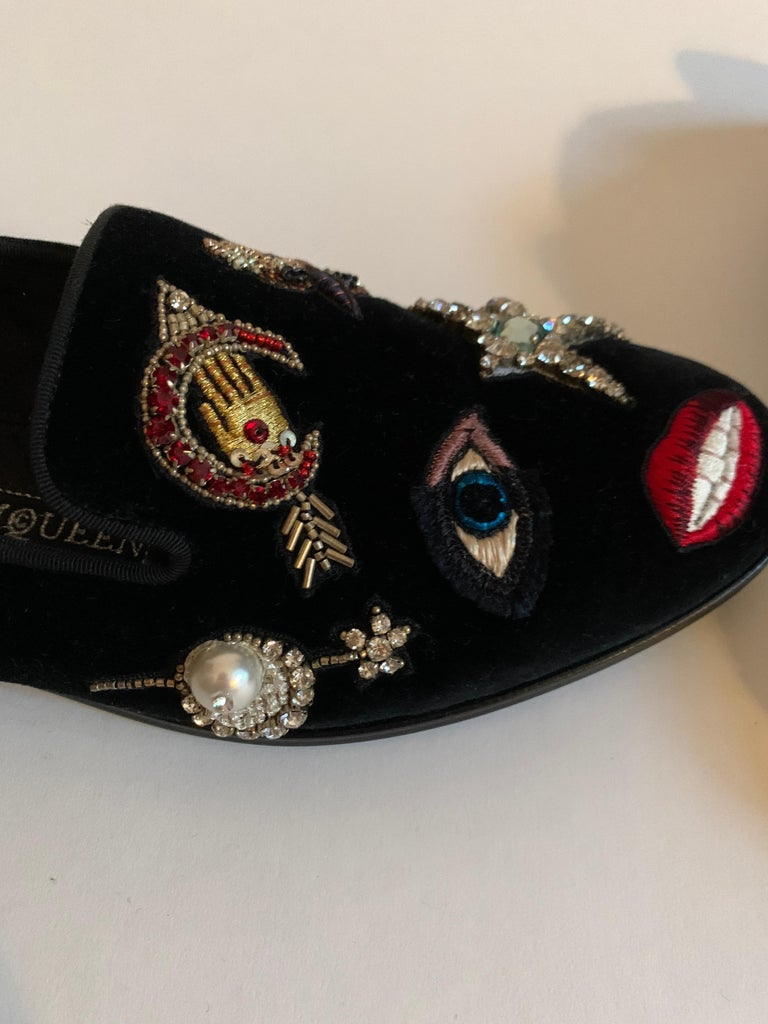 New Alexander Mcqueen Obsession Charm Velvet Loafers Smoking Slippers Flat Shoes For Sale 1