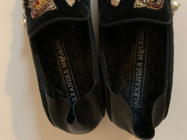 New Alexander Mcqueen Obsession Charm Velvet Loafers Smoking Slippers Flat Shoes For Sale 2