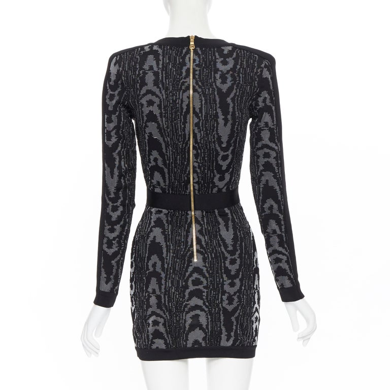 new BALMAIN black abstract jacquard V-neck shoulder padded bodycon dress FR36 XS For Sale 1