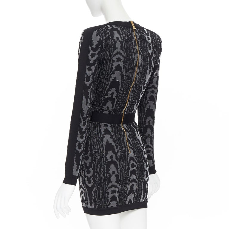 new BALMAIN black abstract jacquard V-neck shoulder padded bodycon dress FR36 XS For Sale 2
