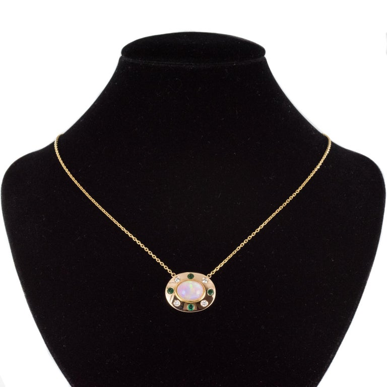 Baume Opal Emerald Diamond 18 Karat Yellow Gold Necklace For Sale 3
