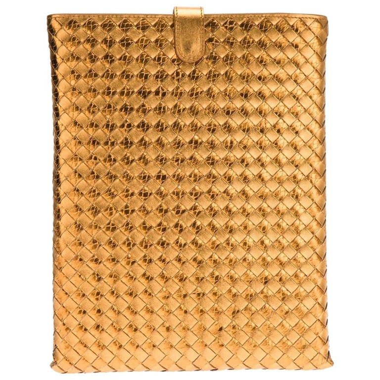 NEW Bottega Veneta Exotic Skin Metallic Intrecciato Ayers Oro Bruciato Ipad Case For Sale
