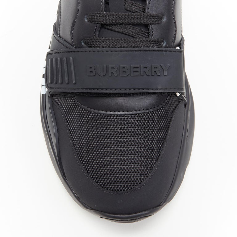 new BURBERRY TISCI Ramsey KINGDOM black leather low top chunky sneakers EU43 For Sale 2