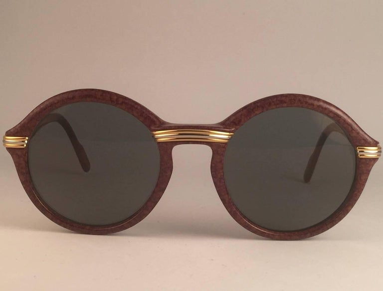 New Cartier Cabriolet Round Brown 52MM 18K Gold Sunglasses France 1990's In New Condition For Sale In Amsterdam, Noord Holland