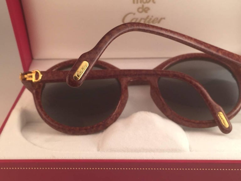 New Cartier Cabriolet Round Brown 52MM 18K Gold Sunglasses France 1990's For Sale 2